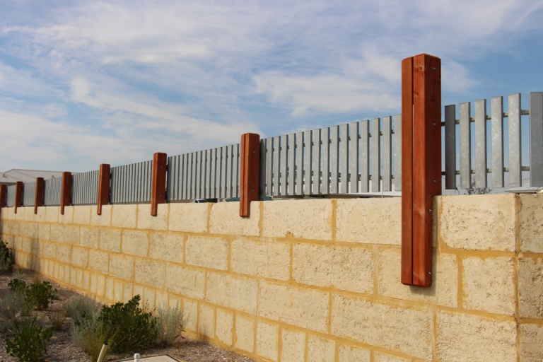 STEEL _ TIMBER POST FENCING (3)